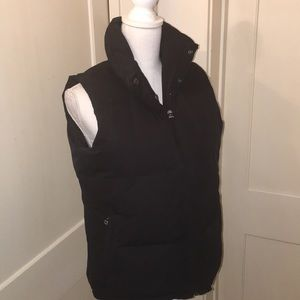 Black Down Puffer Vest - Banana Republic